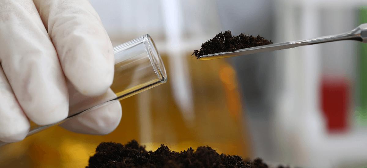 ASTM D5765-95:以微波萃取自土壤及沈積物中萃取總石油碳氫化合物 (TPHs)