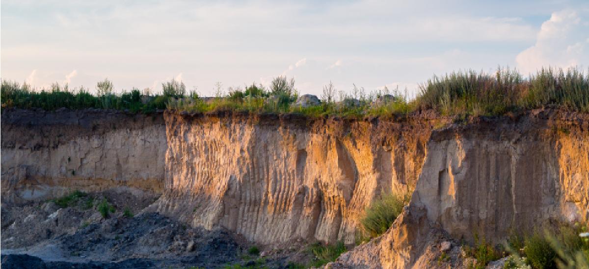 富含金紅石及鋯石地質材料酸溶技術之評估 — 以榴輝岩為例